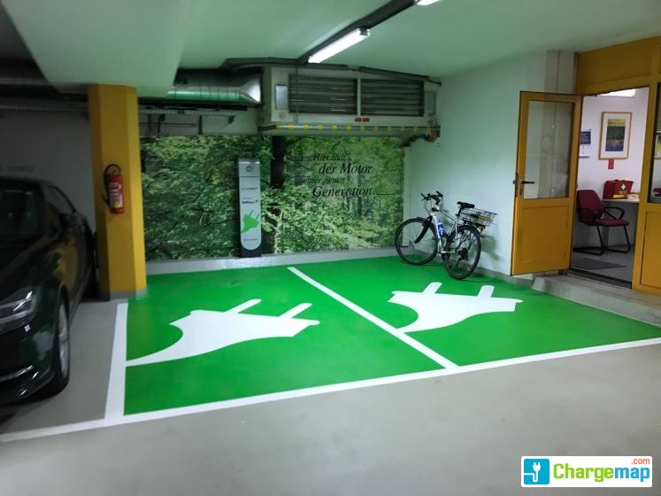 raiffeisen garage salzburg ladestation in salzburg. Black Bedroom Furniture Sets. Home Design Ideas