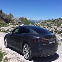 Tesla Sam12